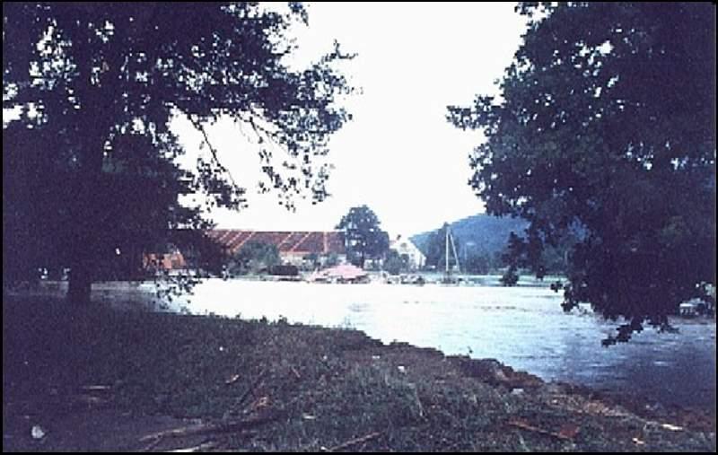 Widok z  mostu przy ul. Młyńskiej, 07.1997r.
