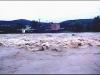 Powódź, w tle budynki przy ul. Nadrzecznej, 07.07.1997r.