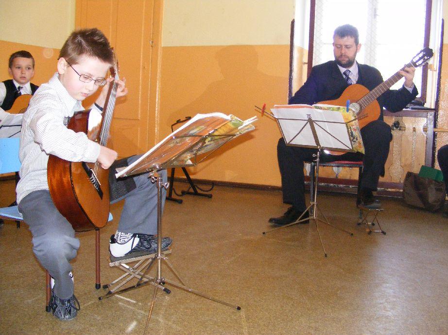 Inauguracyjny koncert Gitariady, Autor: R. Duma, 15.04.2009r.