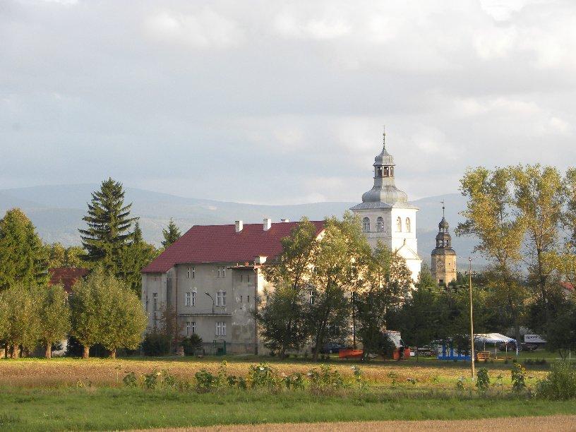 Widok na SP, Kościół oraz Pałac, 18.09.2010r.