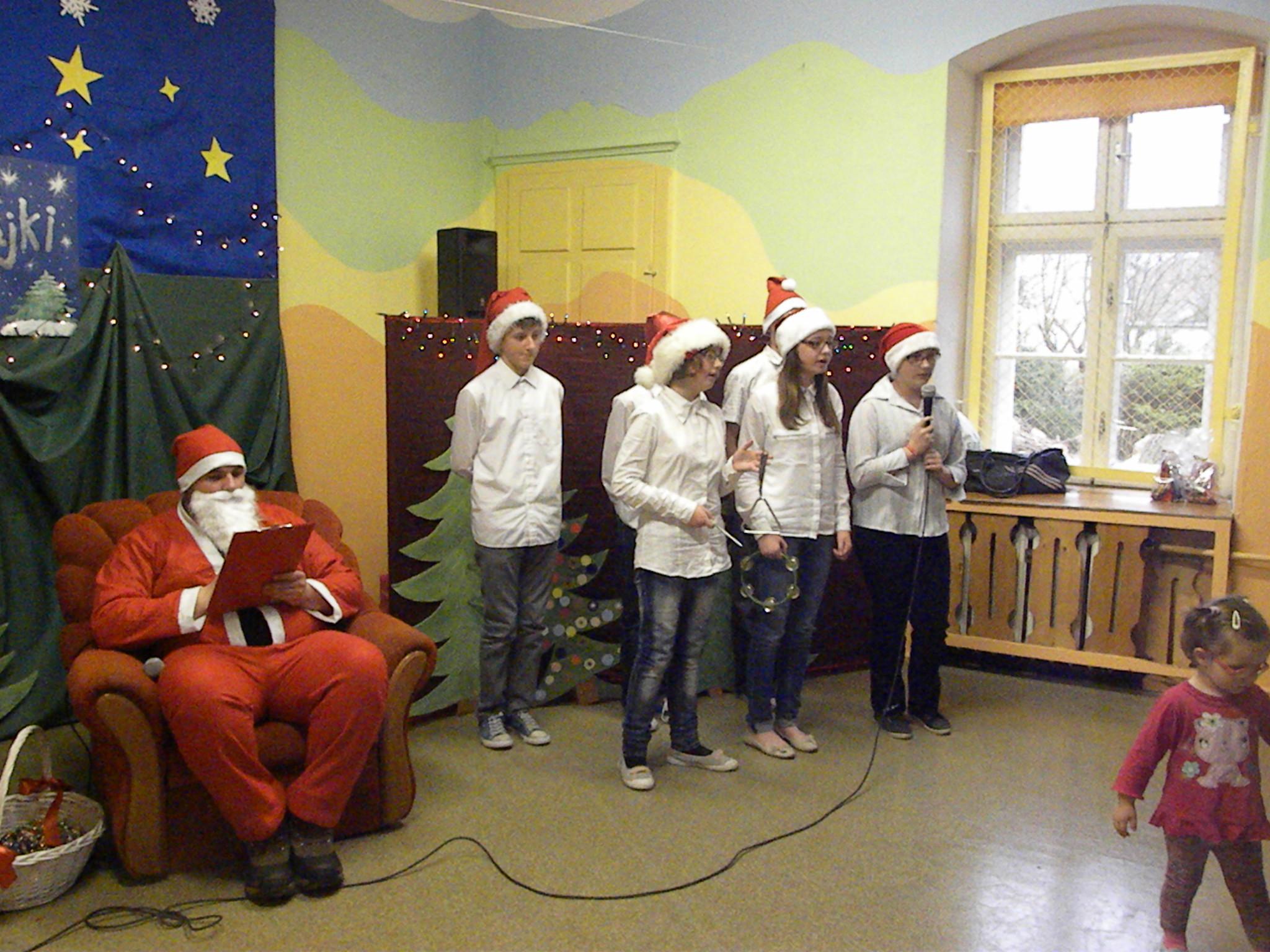 Mikołaj i Bystrzak w SP, Autor: A. Chabło, 05.12.2014r.